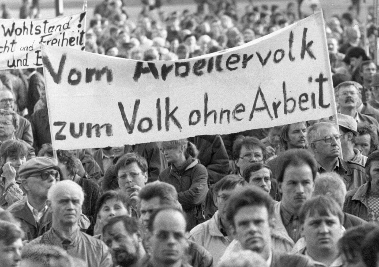 "Arbeitskampf-Café Filmabend: ""Goldrausch – Die Geschichte der Treuhand"""
